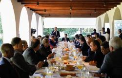 Em reunião com Bolsonaro, Mauro Mendes reivindica pagamento do FEX