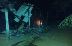 Casa pega fogo e cozinha fica destruída em Nobres