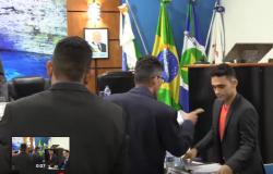 Vereadores protagonizam bate-boca e baixaria na Câmara Municipal de Nobres; veja vídeo