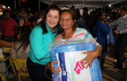 Assistência Social entrega 800 cobertores em Nobres