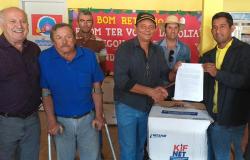 Vereador Gida garante entrega de 50 kits de Irrigação para produtores rurais