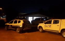 Jovem de 24 anos é morto a tiros dentro de casa no Jardim Paraná
