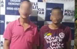 PM prende dupla que rendeu cliente de lanchonete na feira e roubou celular