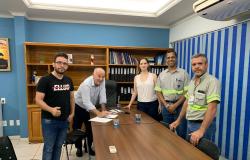 Adelian participa de reunião entre prefeitura e Votorantim para definir data de inauguraçaõ de unidades de saúde