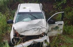 Veículo da secretaria de Saúde  se envolve em acidente na MT 010