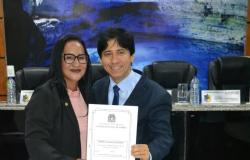Juiz Eleitoral é homenageado pela vereadora Zilmai