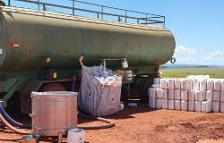PM prende 14 pessoas e recupera 150 galões de defensivos agrícolas roubados em MT