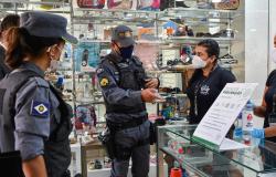 PM reforça fiscalização do uso obrigatório de máscaras
