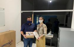 Rotary de Nobres doa 25 kits de testes rápidos para COVID-19
