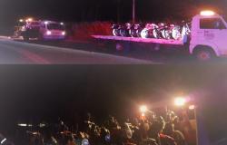 Moradores denunciam racha e PM apreende 17 motocicletas com irregularidades