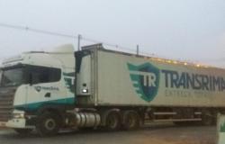 Motorista para jantar e tem caminhão  tomado por bandidos em pátio de posto de combustíveis em Nobres