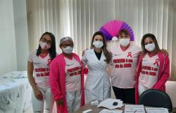 Hospital Laura de Vicunã realiza ações do Outubro Rosa com funcionárias e busca parceria para atender moradoras do município