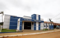 Após 4 vereadores testarem positivo para a Covid-19, Câmara de Nobres suspende atendimento ao público