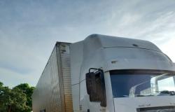 Homem é detido por dirigir caminhão embriagado em Rosário Oeste