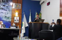 Vereador Eliés agradece governador por destinar cestas básicas e cobra Saúde e  Social  de Nobres