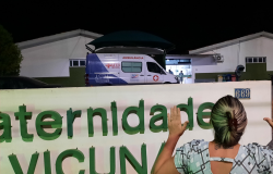 Oração em frente ao Hospital Laura de Vicuña pedindo a cura das pessoas com Covid-19
