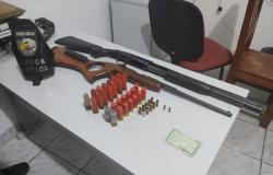 Após denúncia, Força Tática  apreende armas de fogo e munições em sitio na Vila Coqueiral