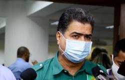 Emanuel é  multado em R$ 100 mil por não vacinar  presos