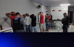 Polícia Militar dispersa aglomerações e aplica R$ 31 mil em multas