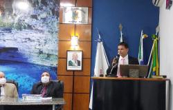 Prof . Eliés pede igualdade  nos atendimentos  na saúde em  Nobres