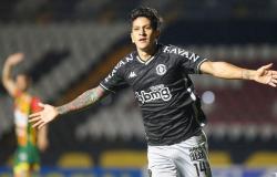Série B: com gol de Cano, Vasco vence Sampaio Corrêa