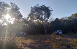Carro  roubado  em Acorizal é  localizado  nos fundos de propriedade rural  em Jangada