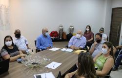 Prefeito e comitiva participa de reunião sobre saúde