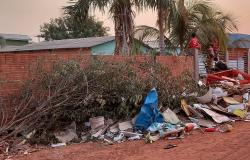 Moradores Jardim Petrópolis reclamam de vizinho por acumular  entulho e lixo  na rua