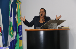 Zilmai pede construção de quebra-mola e parque para crianças no Jardim Petrópolis