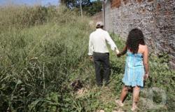 Mãe flagra filha de 6 anos chorando nua após ser estuprada pelo avô