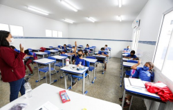 Governo anuncia retorno 100% presencial nas escolas estaduais