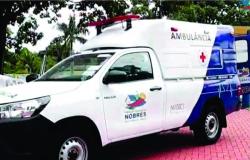 Zona rural Distrito Roda D'Água, recebe ambulância modelo Hillux