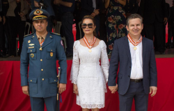 Primeira-dama recebe homenagem do Corpo de Bombeiros
