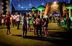 Cerca de 7 mil pessoas visitaram a Arena Encantada na noite de estreia