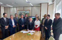 Mato Grosso assina termo de cooperação com Governo Federal para agilizar regularização fundiária