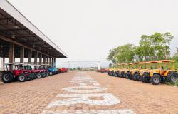 Seaf entrega maquinários e veículos para agricultura familiar nesta sexta