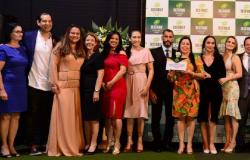 Hospital Regional de Colíder recebe prêmio Destaque Empresarial