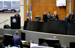 Deputados pedem vistas e ALMT adia votação de projeto que aumenta alíquota de servidores