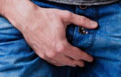 Homem mostra órgão genital e se masturba na frente de jovens em Cuiabá