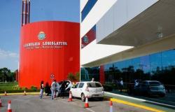 Justiça bloqueia R$ 29,8 milhões de conselheiro, ex-deputado e empresários por esquema na ALM
