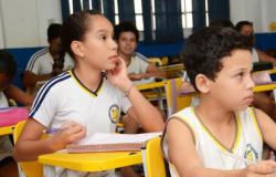 Projeto de lei prevê psicólogo e assistente social em escolas públicas