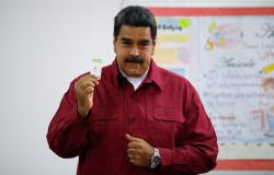 Urnas são abertas na Venezuela para eleição presidencial
