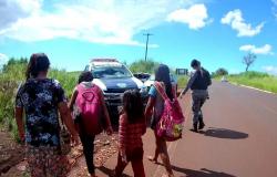 Criança indígena resgatada pela polícia é acompanhada pelo Conselho Tutelar