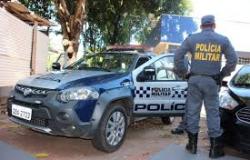 Homem pula de veículo em movimento para escapar de ladrões em Cuiabá