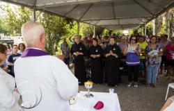 Dia de Finados - Cemitérios preparam atividades religiosas para receber cerca de 120 mil visitantes