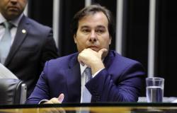 Oposição reage a apoio do PSL a Maia, e PSOL articula candidatura à presidência da Câmara