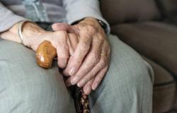 Violência contra idosos aumenta durante pandemia, aponta ministério