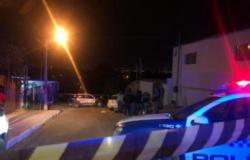 Policial é morto com 2 tiros na porta de casa em Cuiabá