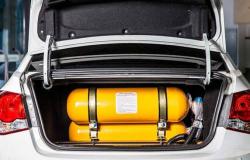 Mecânicos recebem treinamento para instalação do conversor de gás em veículos