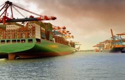 Exportações da China sobem mais do que o esperado em agosto